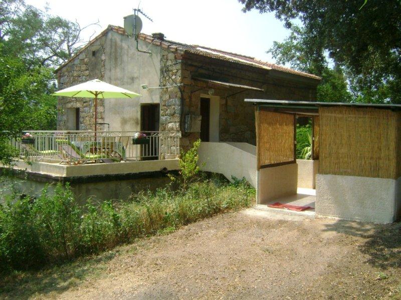 MAISON DE CAMPAGNE A ECCICA SUARELLA A 10 MIN DES PLAGES, holiday rental in Eccica-Suarella
