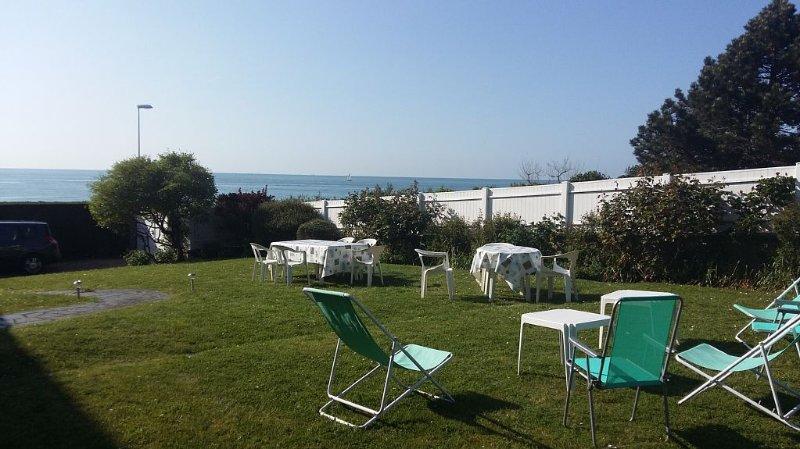 Villa vacances à 10 metres de la plage de Blonville sur mer à 4 kms de Deauville, location de vacances à Deauville