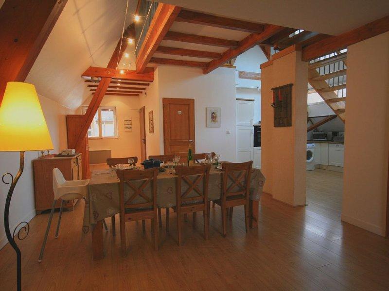 Gîte du vigneronAppartement Duplex centre ville de Turckheim ( Climatisé ), holiday rental in Walbach