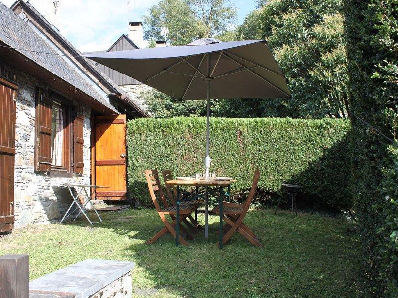 Chalet à Esterre / Luz Saint Sauveur, en surplomb de la vallée, sans vis à vis., holiday rental in Viey