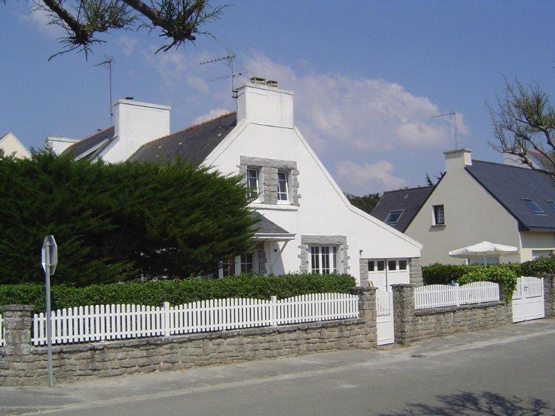 FINISTERE ILE TUDY Maison bord de mer/plage 100m  Wifi 5 chambres jardin clos, location de vacances à Île-Tudy