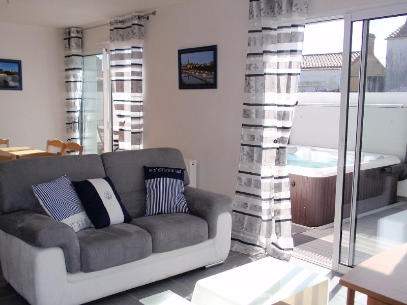 Noirmoutier maison 4*, 7/8 couchages,grand confort, SPA utilisable toute l'année, vacation rental in Vendee