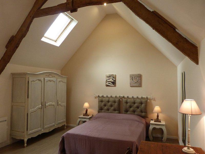 Une grande et confortable maison entièrement restaurée avec goût., alquiler vacacional en Trevieres