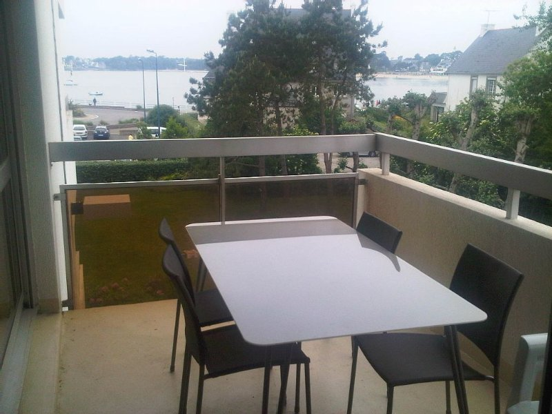 Appartement T2, vue mer, 150m plage et thalasso Bénodet, garage, terrasse, holiday rental in Benodet