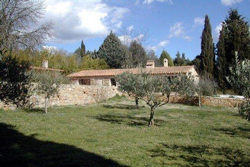 Superbe bergerie, avec piscine, sur une propriété de 14 hectares en Provence, holiday rental in Salernes