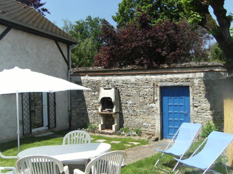 Maison de village avec jardin au coeur du vignoble bourguignon, holiday rental in Vosne-Romanee