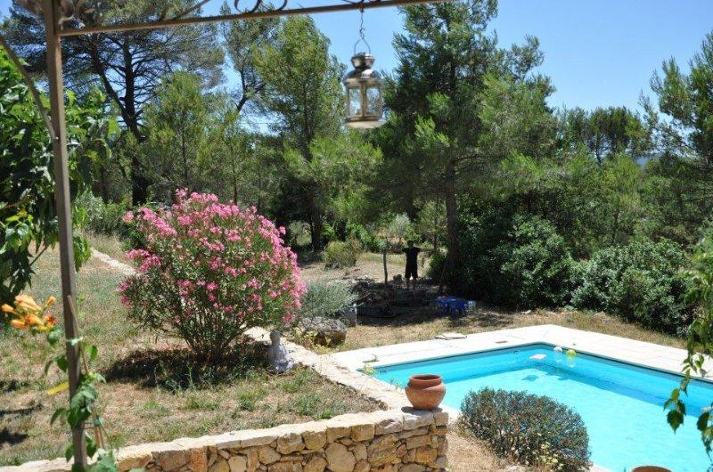 Villa spacieuse avec piscine à Cotignac, au coeur de la campagne varoise, location de vacances à Cotignac