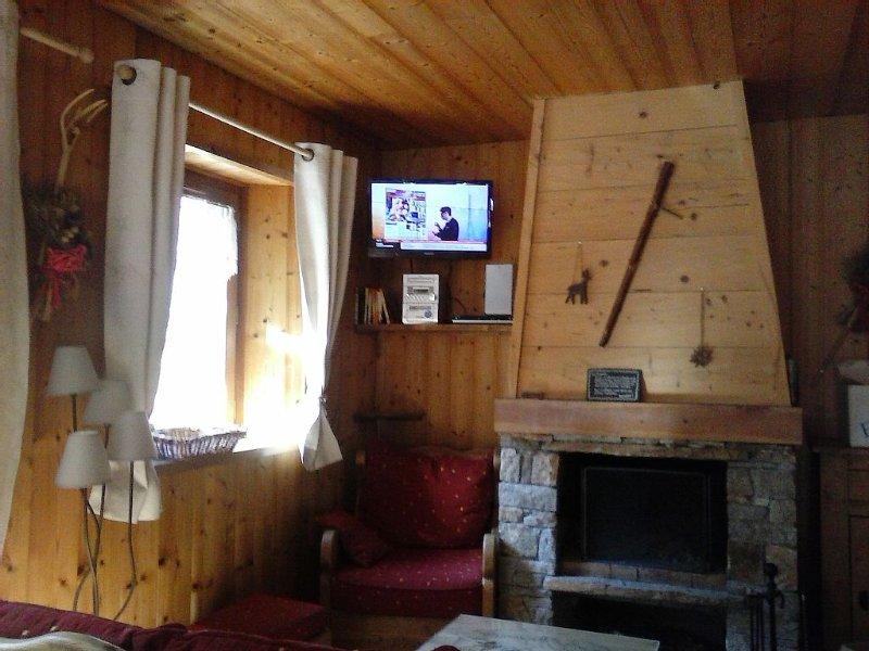 APPARTEMENT DE CARACTERE  TOUT CONFORT,VILLAGE TYPIQUE DE BONNEVAL SUR ARC, vacation rental in Noasca