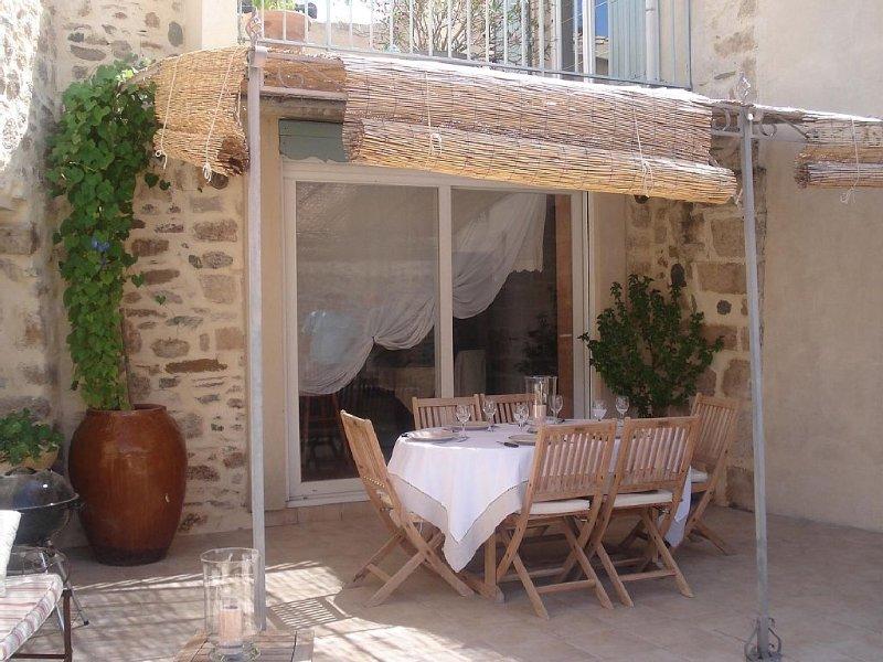 Belle maison de village avec terrasses, location de vacances à Caunes-Minervois