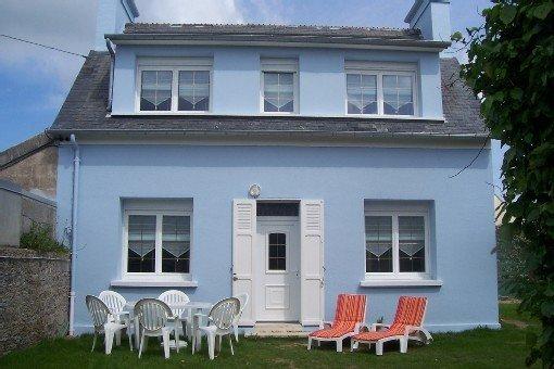 Agréable maison, 40 m de la mer, près des plages du débarquement, casa vacanza a Saint-Floxel