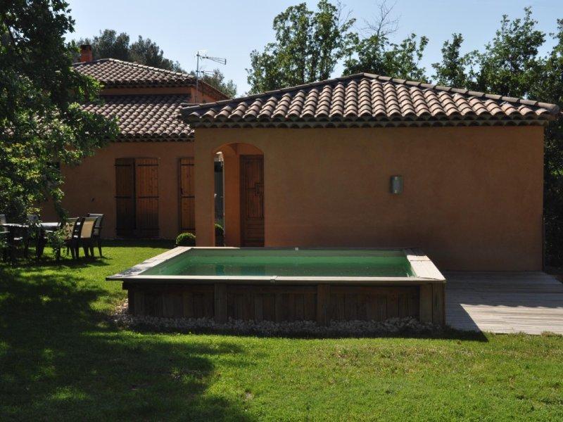 MAISON DE VACANCES DISPONIBLE TOUTES SAISONS, vacation rental in Peynier