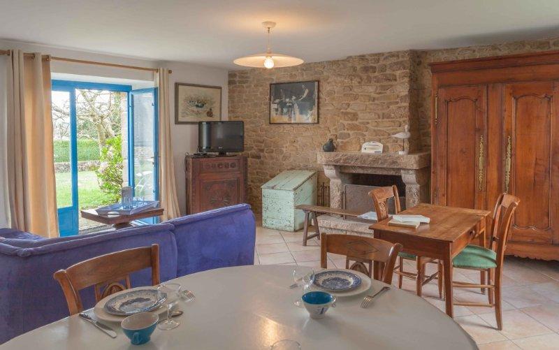 Maison du Pêcheur, vue mer sur Golfe , wifi,linge de lit fourni, grd jardin clos, location de vacances à Arradon
