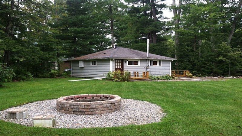 Great spot for a getaway.  We are taking reservations for 2017!, location de vacances à Wellsboro