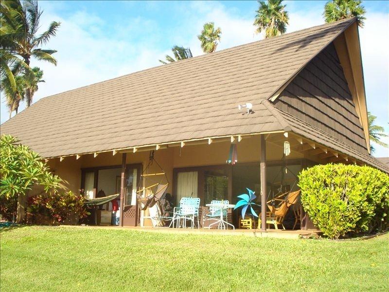 Quiet Beachfront Cottage, Ferienwohnung in Molokai