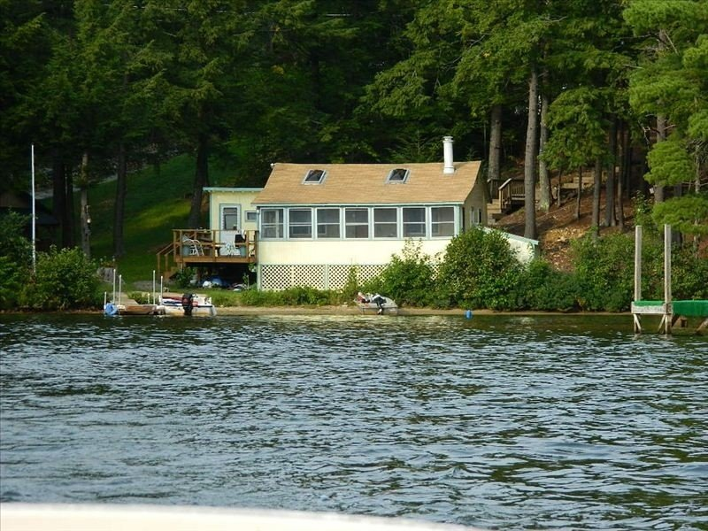 Clean, Private Lake Front Cottage in Southern Maine - Sleeps 5 & Dog Friendly, holiday rental in Limerick