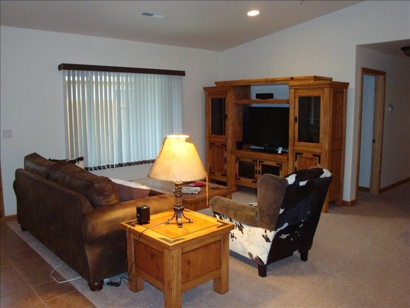 Walk to Downtown! Private Hot Tub, Fireplace, Indoor Pool, vacation rental in Moab