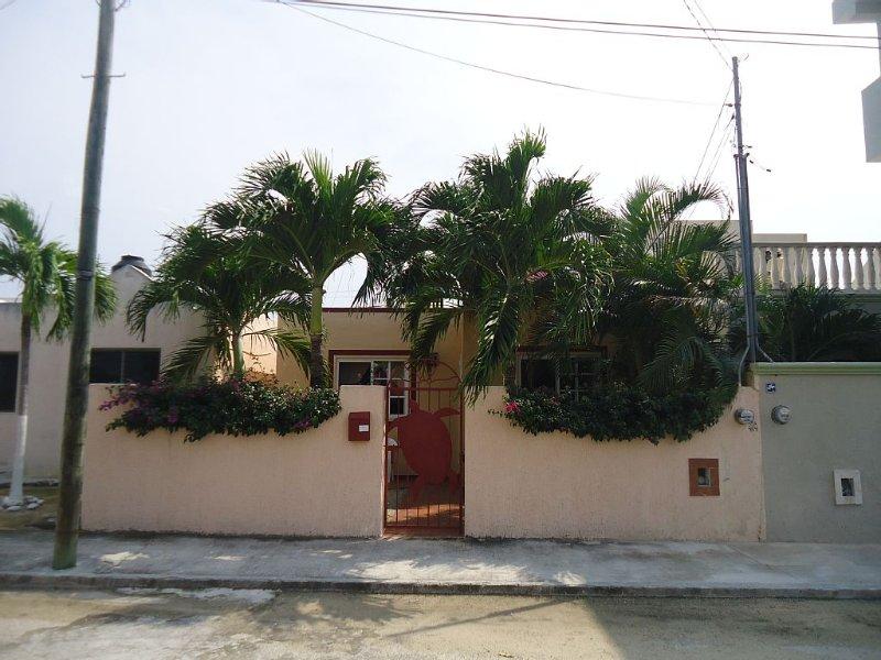 Casa Aak Chak-Mayan Riviera Xcacel Beach, location de vacances à Chemuyil