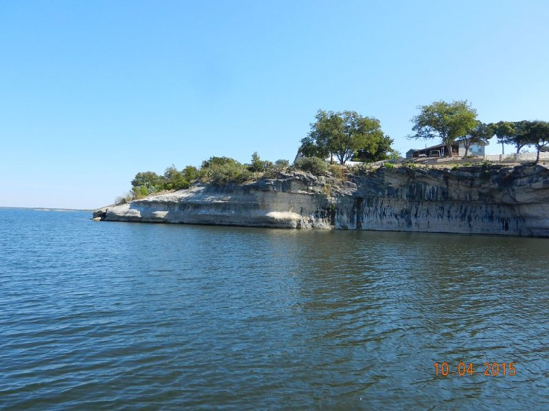 Waterfront 'Sunset Cove Cabin' Fish & Swim from Back Yard, vacation rental in Whitney