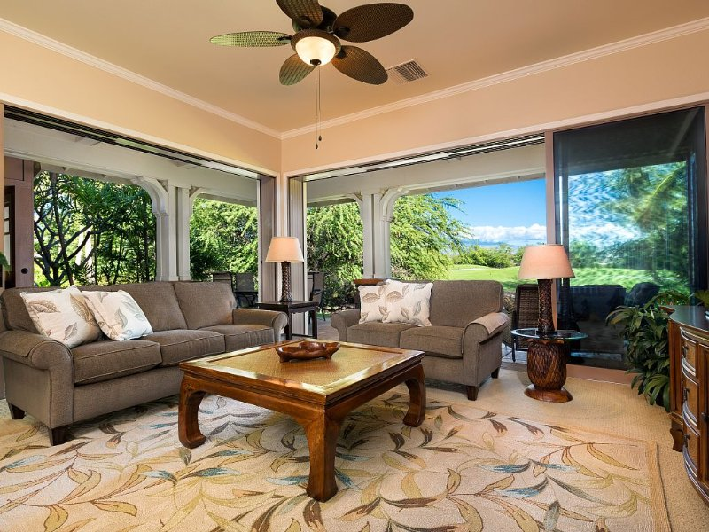 Alohale - Serene Premium View Luxury Villa, Mauna Kea & Golf Views......Paradise, location de vacances à Kamuela