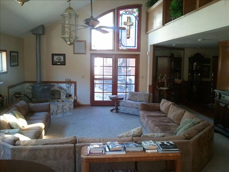Nice, open, comfortable living room. Great for family and friends to gather.