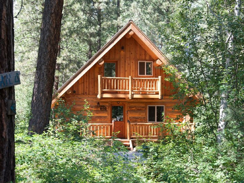 Aspen Hollow Cabin, A relaxing setting in the Wolf Creek Area, holiday rental in Mazama