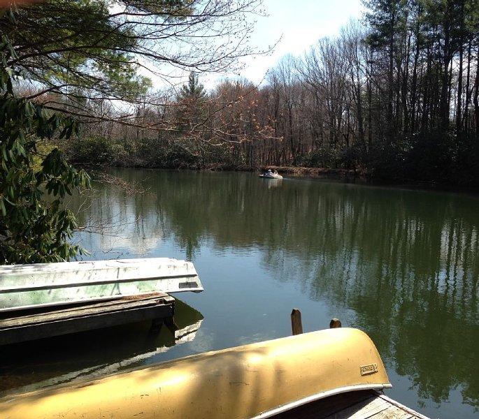 lago privado con 4 viviendas, pesca, navegación, mañanas tranquilas junto al lago