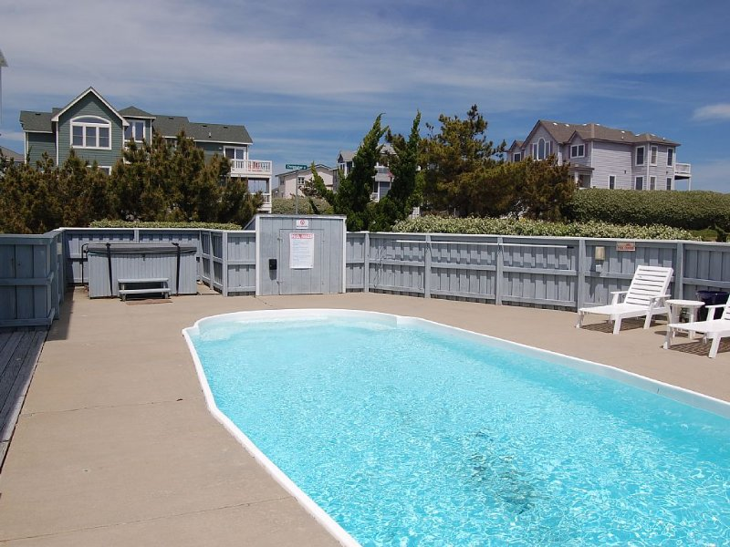 Beach Home Semi Ocean Front & Private Pool  - Steps to the Beach, holiday rental in Duck