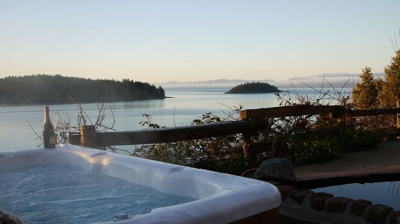 Centrally located on British Columbia's beautiful Sunshine Coast, alquiler de vacaciones en Sechelt