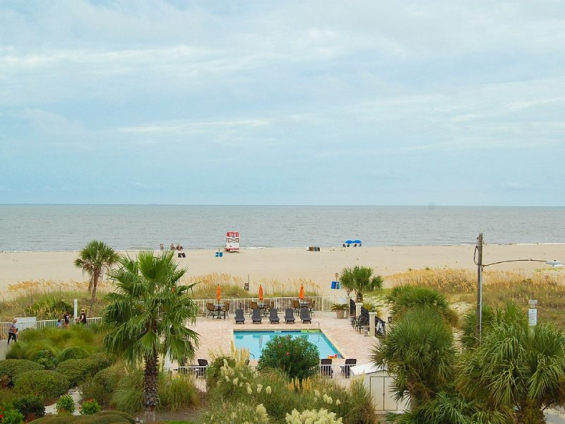 Luxury 3 Bedroom with Amazing Ocean View in Desoto, vacation rental in Tybee Island