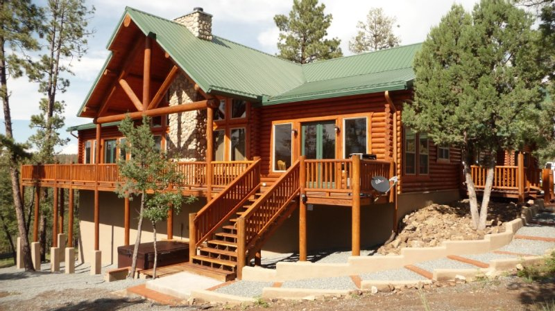 Premium Mountain Retreat On Over 2 Acres With Sweeping Views-hot Tub/Pool Table, vacation rental in Ruidoso
