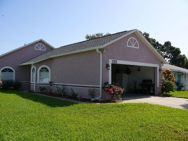 Cape House!, 3 Blocks From Atlantic Ocean!, Close To Cocoa Beach & Cruise Ships!, Ferienwohnung in Cape Canaveral