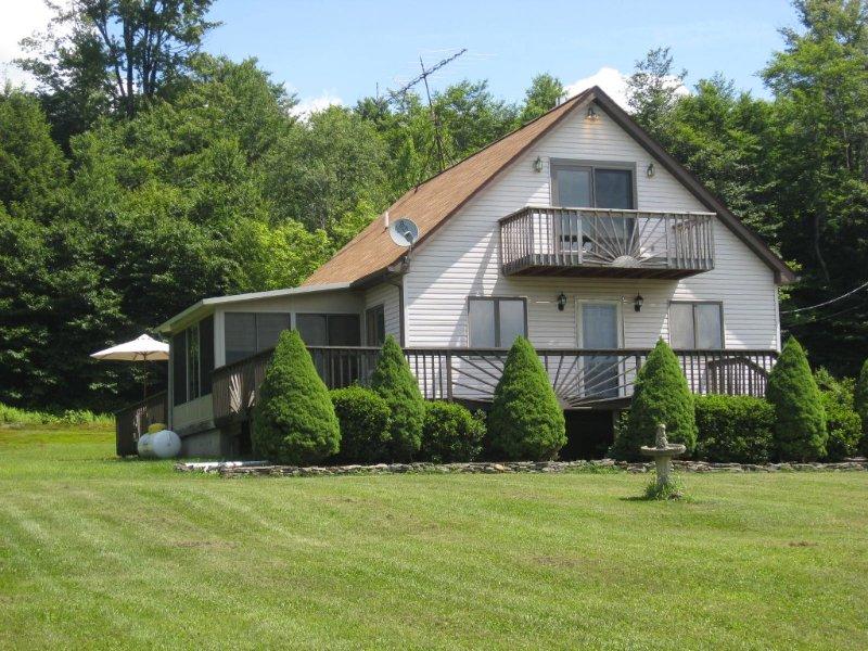 Lusch Acres Retreat ...Unwind & Enjoy a Relaxing Vacation, location de vacances à Forksville