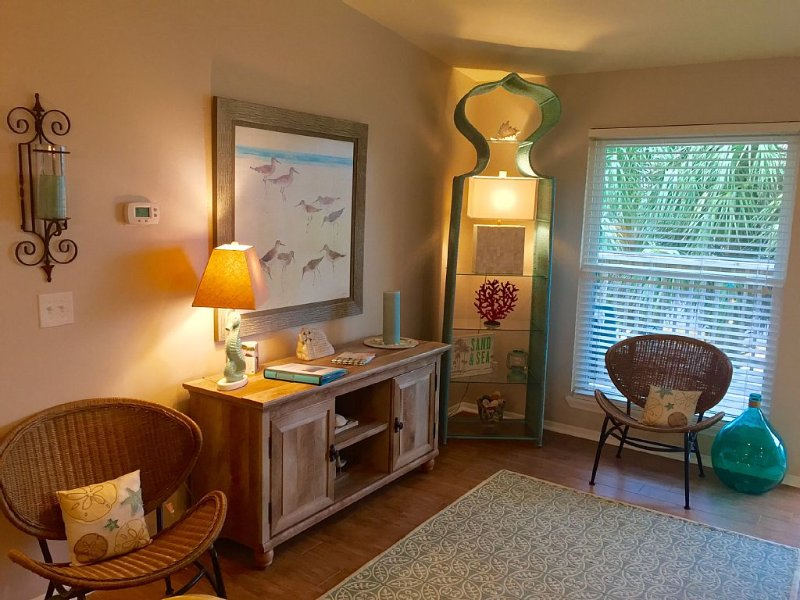 Adorable Seaside Escape! Pet And Family Friendly!, holiday rental in Fernandina Beach