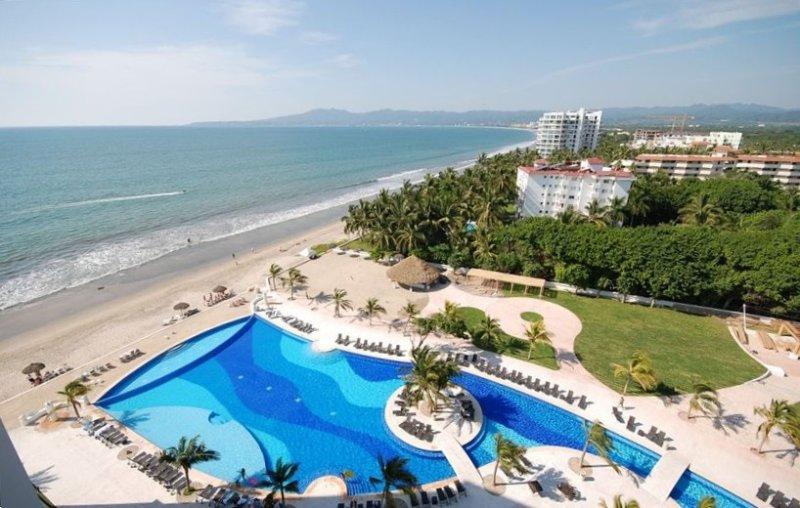 Villa Magna Oceanfront 8th Floor, vacation rental in Nuevo Vallarta