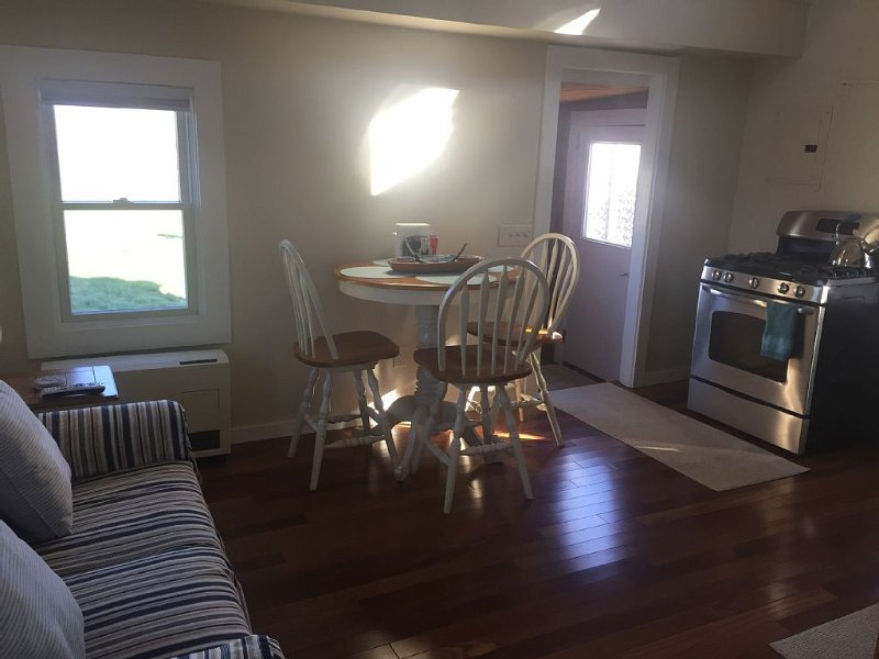 Newly Renovated, Private Oasis!- AC for summer months!, location de vacances à Washington County
