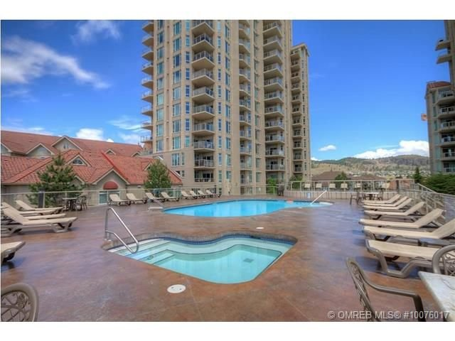 Available for the Holidays! Waterfront resort, Luxury 2BR/2BA condo, sleep 6, holiday rental in Kelowna