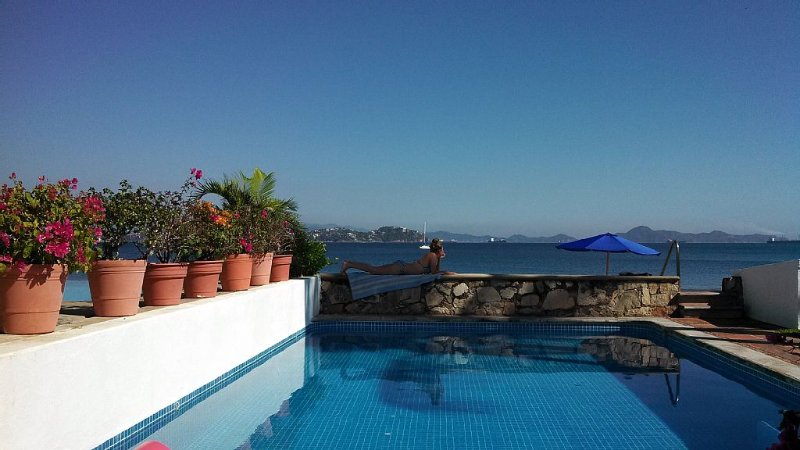 Casa Lang is a Private Beachfront Paradise in Manzanillo. Mexico, holiday rental in Manzanillo