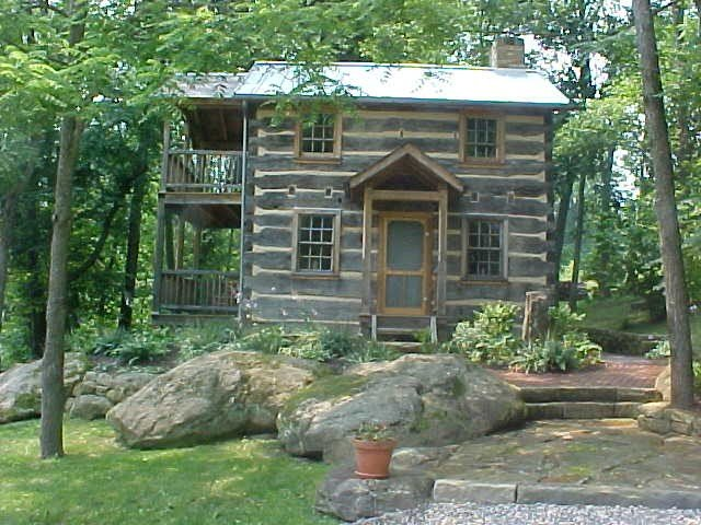 Historic Cabin On 150 Acre Farm In Amish Country, holiday rental in Winesburg