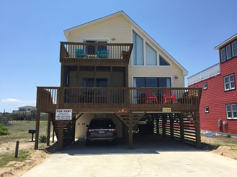 Outer Banks Oceanside Cottage 'Sonrise' in Kitty Hawk, vakantiewoning in Kitty Hawk