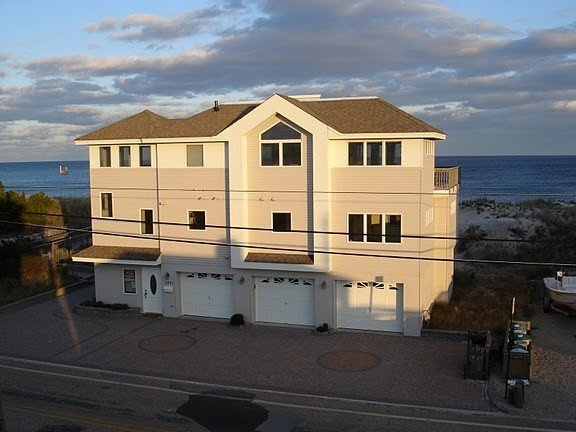 Ocean Front Home (SALE- one week left) $1,000 off weekly rate until Aug. 1, vacation rental in Ship Bottom