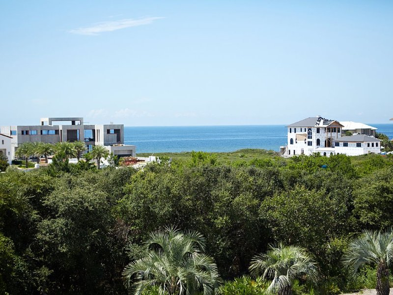 Graceland by the Sea-Close To Beach Front Row On 30A, Private Hot Tub, Gulf View, vacation rental in Seacrest Beach