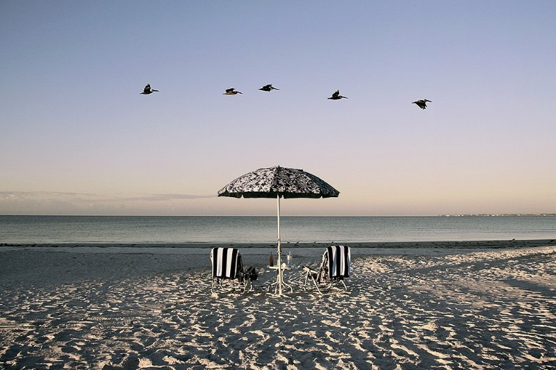 The Ultimate Beach Paradise Condo/ Perfect for a Romantic Getaway, holiday rental in Fort Myers Beach