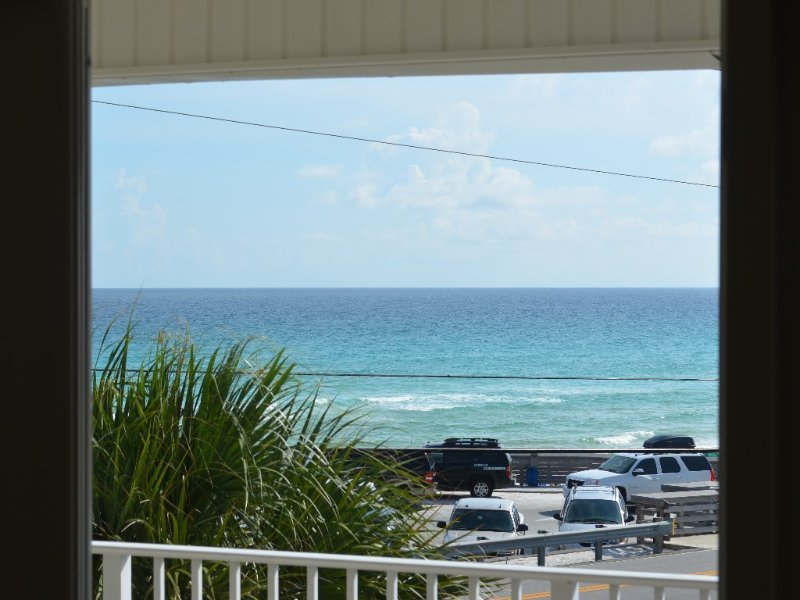 Your home on the beach! Great views ready for you!, vacation rental in Destin