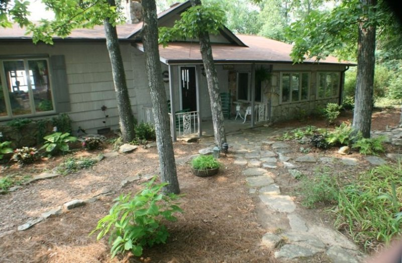 Stoneridge Cottage I - Best view and walking distance to town, holiday rental in Mentone