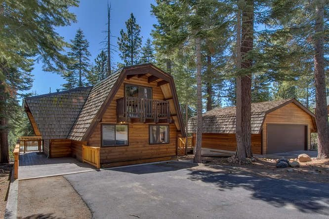 Luxury Family & Pet Friendly Mtn Home, Near Lake & Northstar, hot tub, wifi, DTV, vacation rental in Kings Beach