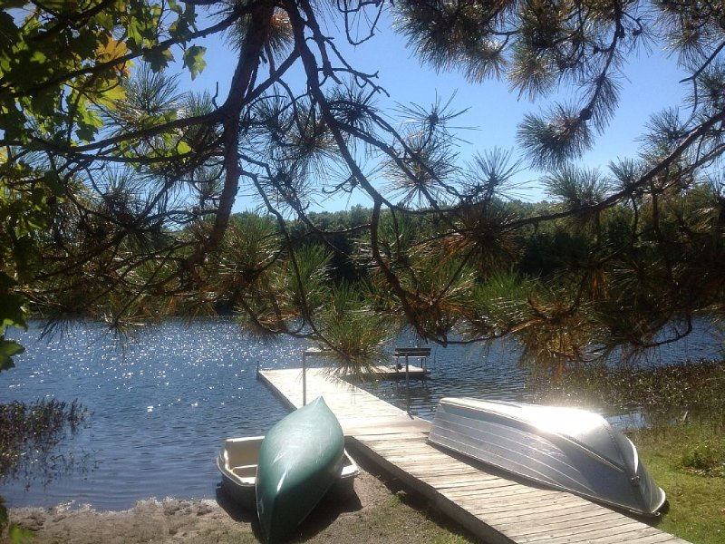 Northwoods Luxury - Private Lake, Gourmet Kitchen, Sauna!, vacation rental in Shell Lake