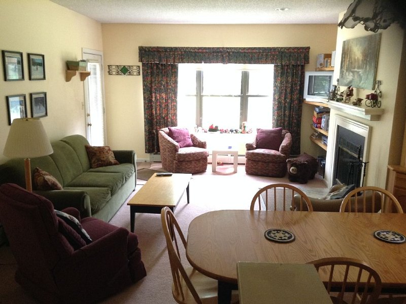 Perfect Ski On/Off access in ALL weather. Winterplace at Okemo 3 bdrm, 2 bath. – semesterbostad i Ludlow