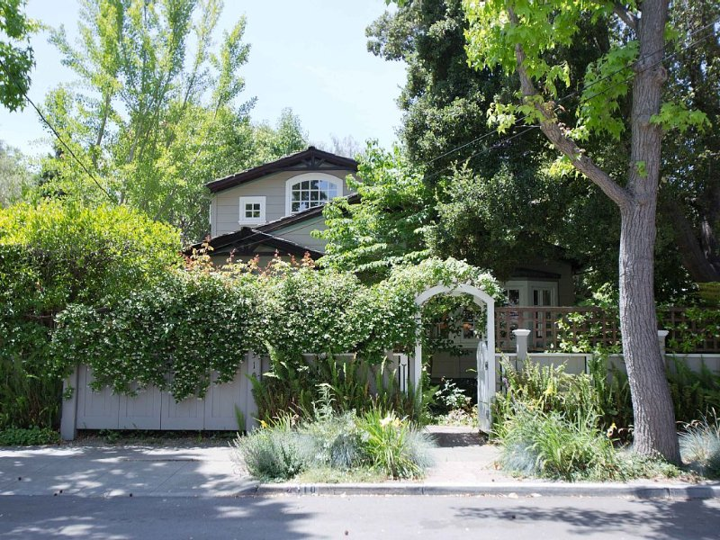 Luxury Home Next to Stanford University, vacation rental in Los Altos