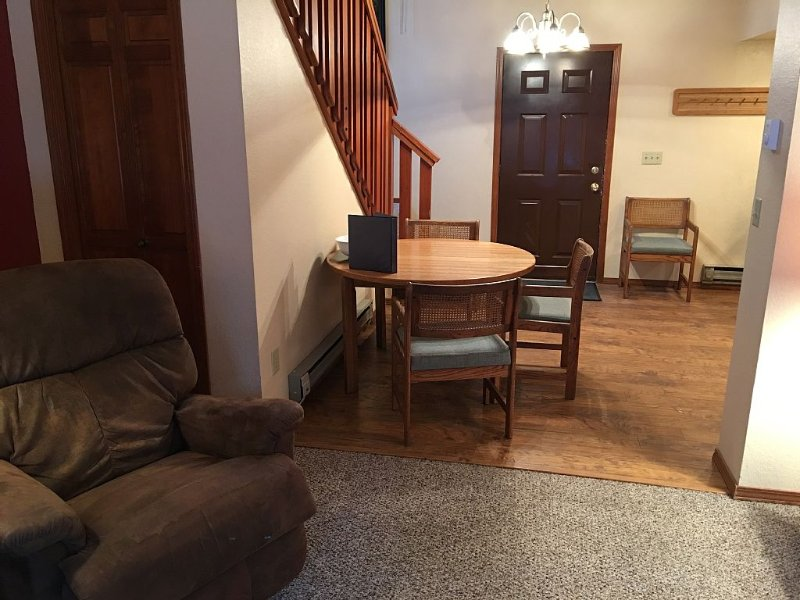 Aspen Village - 1 Private Bedroom + 1 Open Loft Bedroom, vacation rental in McCall