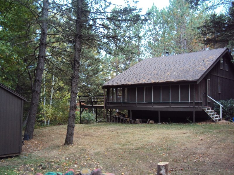 Cozy Cabin On The Kettle River Minutes From Grand Casino Hinckley, holiday rental in Hinckley